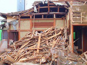 空き家解体後の建物滅失登記は必須
